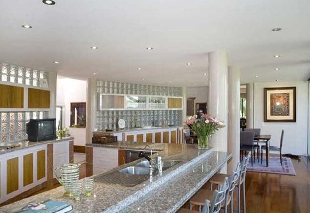 Blat granitowy – doskonały do minimalistycznej kuchni
